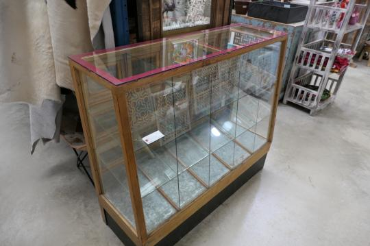 Display Cabinet from Japan