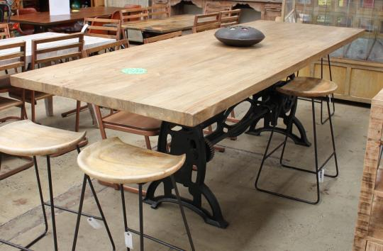 Wind Up Table with Scrubbed Top